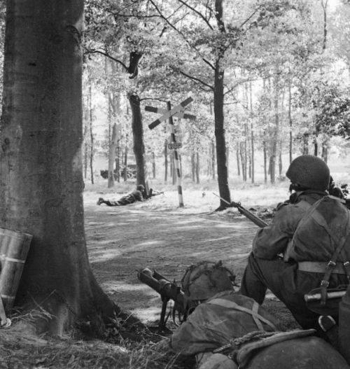 Солдаты 1-й британской воздушно-десантной дивизии в Нидерландах. Сентябрь 1944 г.