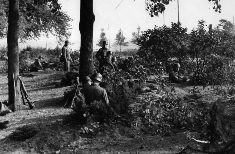 Эсэсовцы в обороне. Арнем. Сентябрь 1944 г.
