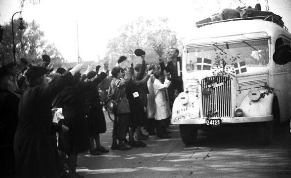 Возвращение заключенных в Копенгаген из концентрационного лагеря Штуттхоф. Июнь 1945 г.
