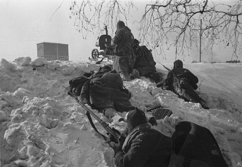 Красноармейцы на боевых позициях в Выборгском районе. Январь1940 г.