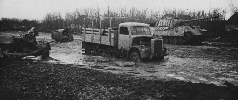 Брошенная немецкая техника. Март 1944 г.