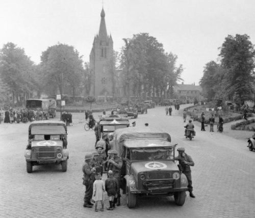 Союзники в голландском городке. Сентябрь 1944 г.