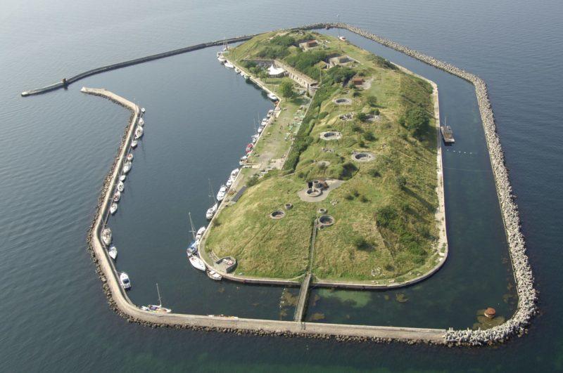 Вид сверху на форт Flakfort.