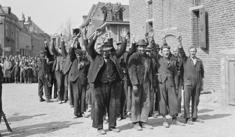 Арестованные голландские коллаборационисты. Апрель 1945 г.