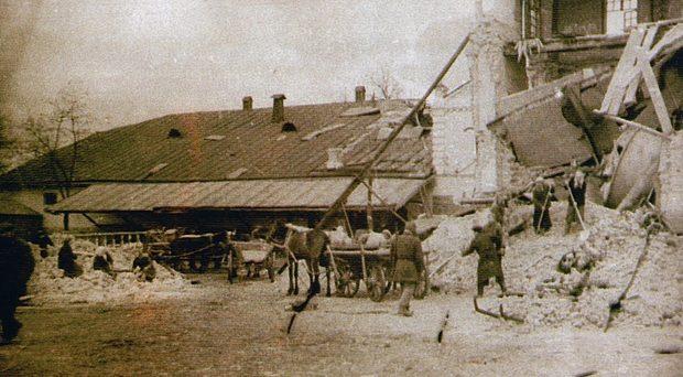 Работы по восстановлению пивзавода. Апрель 1944 г.