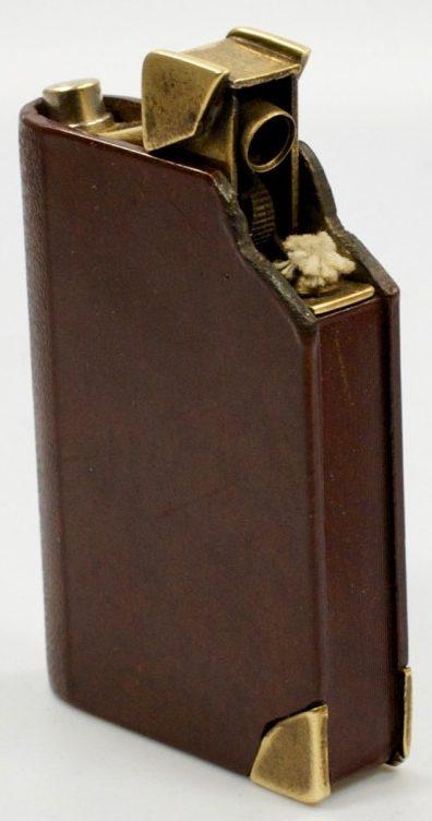 Зажигалка «Notes» немецкой фирмы Kellermann, выпускалась с 1930 г.