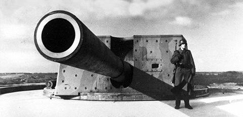 Башня с 283-мм орудием батареи «Rozenburg».