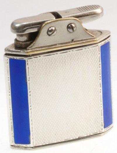 Зажигалка «Sarastro Diplomat» немецкой фирмы B & S SILVER, выпускалась с 1933 года.