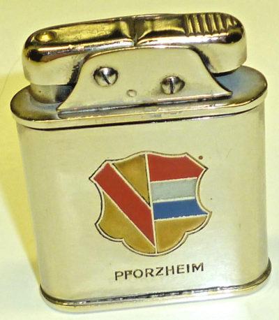 Зажигалка «Sarastro Semi» немецкой фирмы B & S SILVER, выпускалась с 1935 года.
