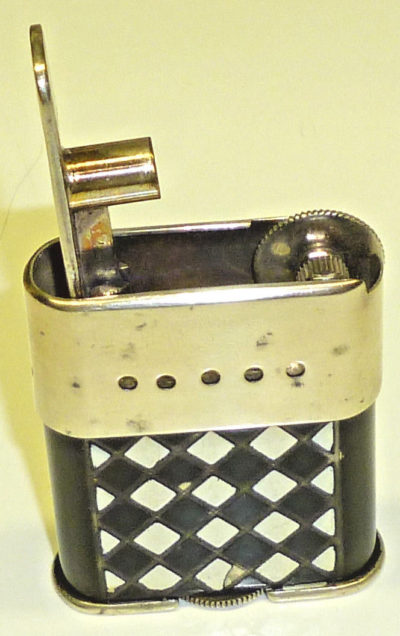 Зажигалки «Sarastro Auti» немецкой фирмы B & S SILVER, выпускались с 1928 года.