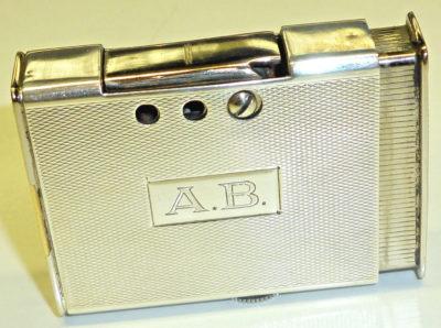 Зажигалка «1001 NACHT» немецкой фирмы B & S SILVER, выпускалась с 1939 года.