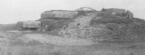 Командный бункер типа S414 в 1944 году и сегодня.