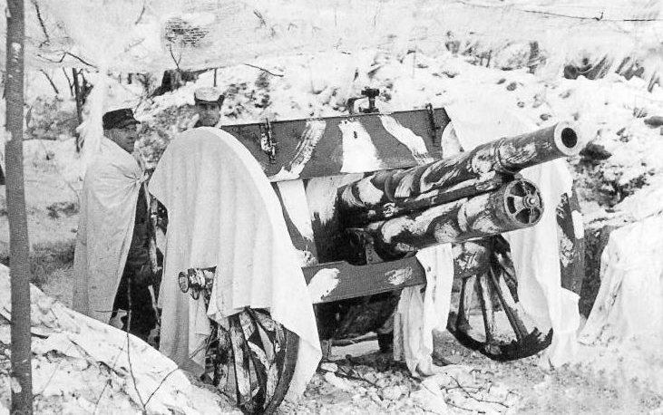 Артиллерийская позиция 76-мм орудия в городе Виипури. Март 1940 г.