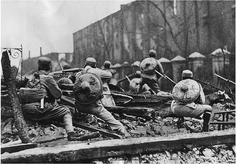 Бойцы 19-й китайской армии генерала Цзяна на позициях.