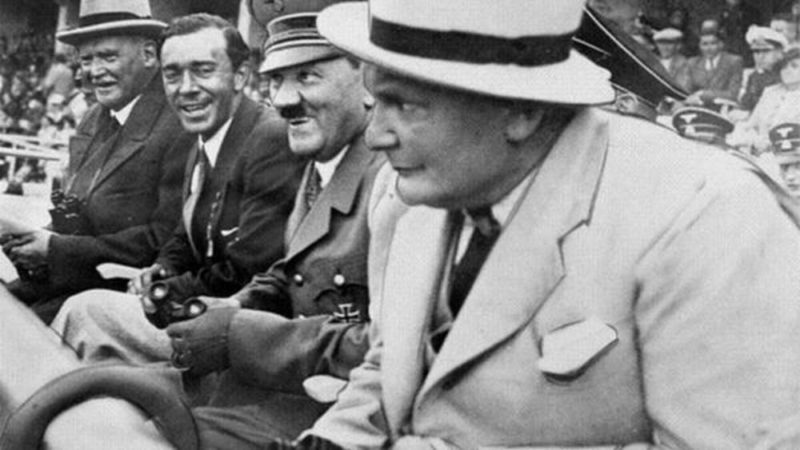Шведский путешественник Свен Гедин, принц Швеции Густав Адольф, Адольф Гитлер и Герман Геринг на открытии XI Летних Олимпийских игр. Берлин 1936 г.