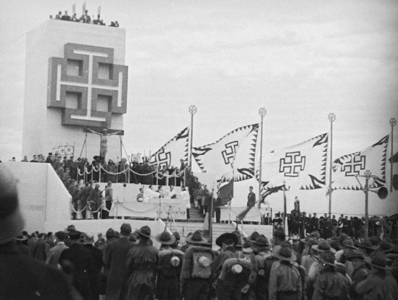 Митинг представителей австрофашистов из «Отечественного фронта».