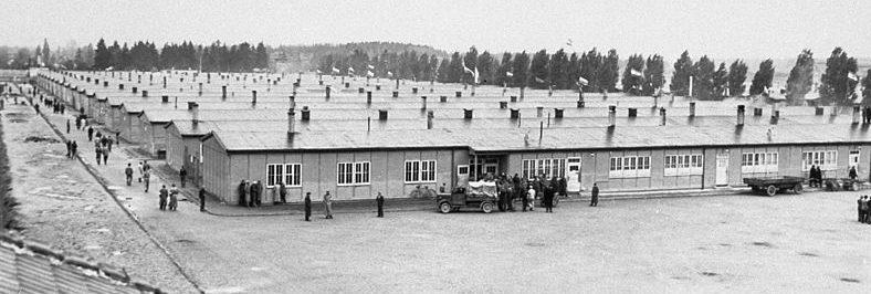 Бараки лагеря после освобождения в 1945 г.