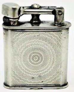Зажигалки фирмы Dainty Demley, выпускались в 1930-х годах.