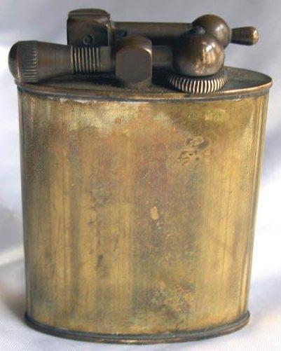 Зажигалки фирмы Luxuor, выпускались в 1930-х годах.