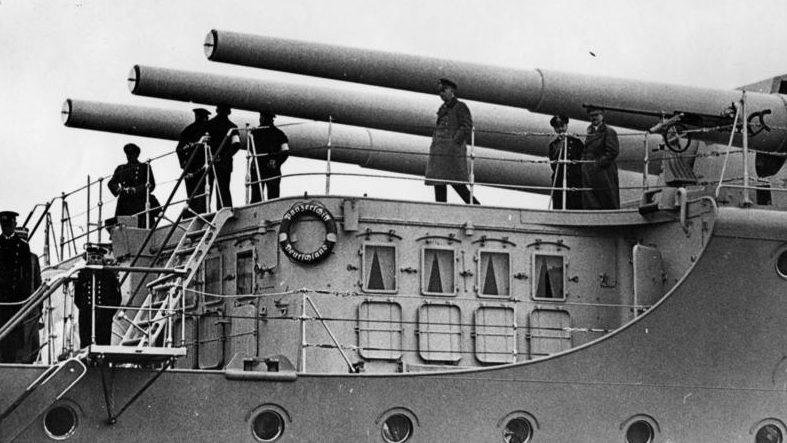 Орудия главного калибра крейсера «Дойчланд».