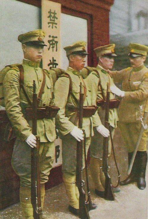 Военнослужащие армии Маньчжоу-го.