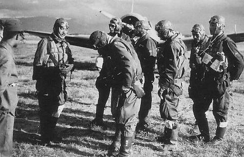 Военные лётчики ВВС Императорской Маньчжурии.