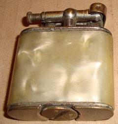 Зажигалки фирмы Erhо, выпускались в 1930-1940-е годы.