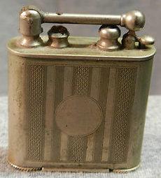 Зажигалки фирмы Douglass выпускались в 1930-х годах.