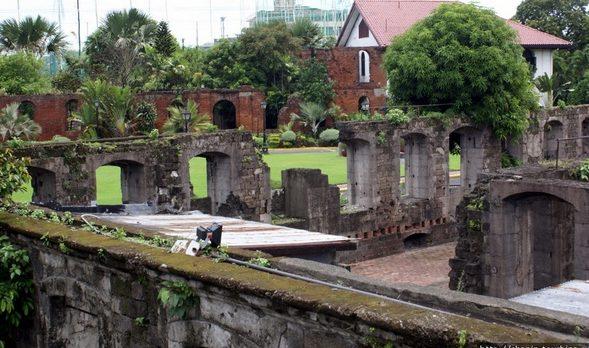 Форт Сантьяго, где велись раскопки.