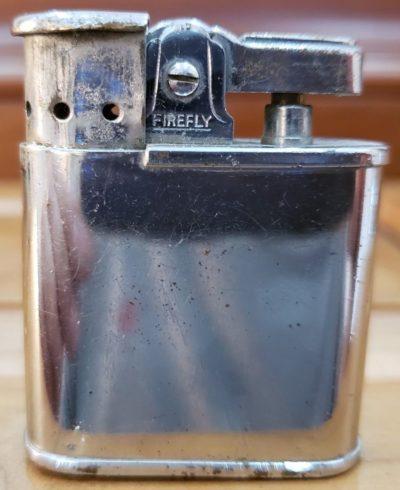 Зажигалки фирмы Firefly, выпускались в 1940-х годах.