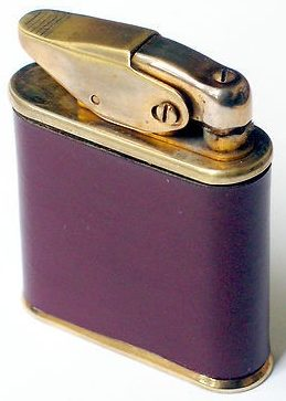 Зажигалки фирмы Luxuor, выпускались в 1940-1950-х годах.