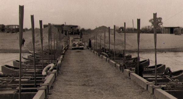 Понтонный мост через Ингул. Август 1941 г.