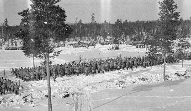 Торжественное построение шведского корпуса в районе Мяркяярви. 17 марта 1940 г.