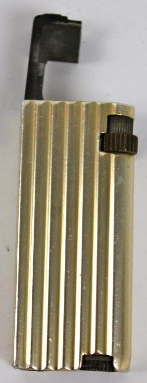 Зажигалки «Golmet» фирмы Benlow, выпускались в 1940-х годах.