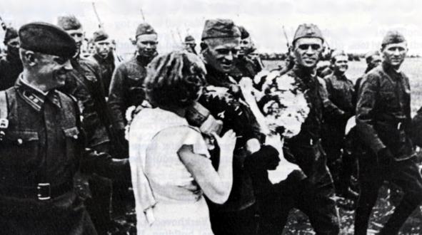 Советские войска входят в Литву. 1940 г.