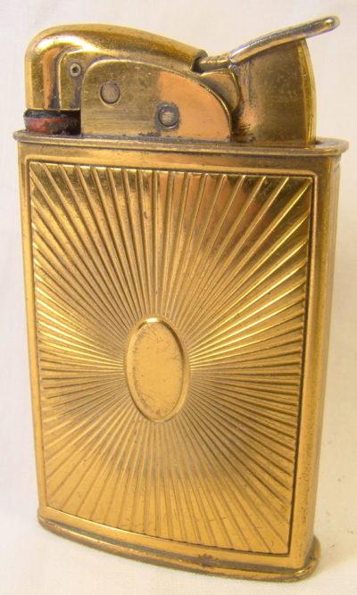 Зажигалки «Spitfire» фирмы Evans выпускались в 1940-х годах.