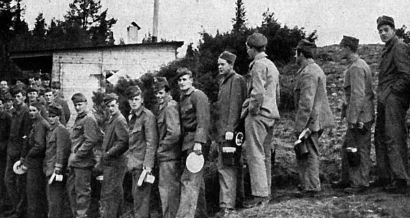 Лагерь интернированных норвежцев, где под видом полицейских готовили военных для союзников. 1940 г.