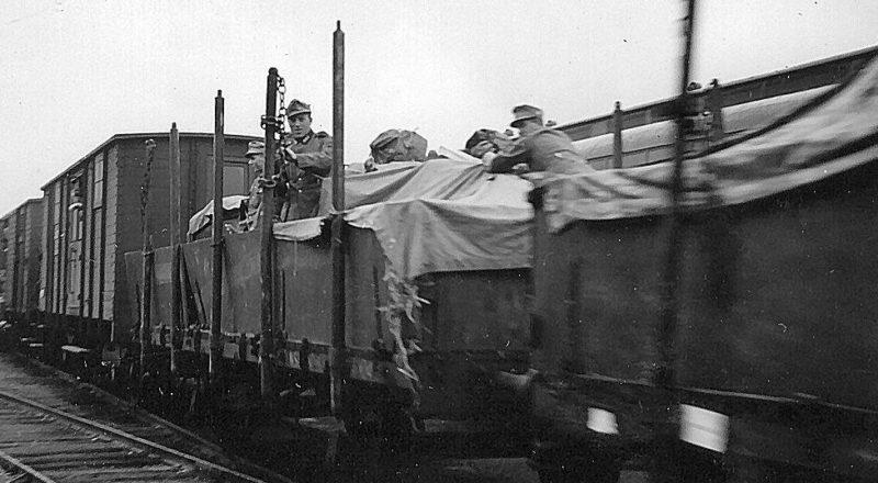 Транзит немецких военных грузов через Швецию в Финляндию. Сторлен. 1940 г.