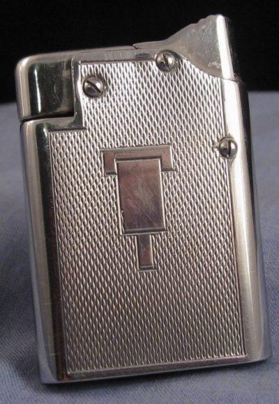 Зажигалки «Master Lighter» фирмы Benlow, выпускались с 1945-го года.