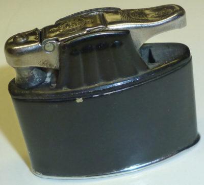 Зажигалки «Champion» фирмы Abdulla, выпускались в 1940-х годах.
