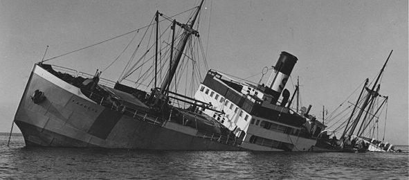 Шведский теплоход «Гонгул» подорвался на своей мине при перевозке железной руды в Германию. Западное побережье Швеции. 2 октября 1940 г.