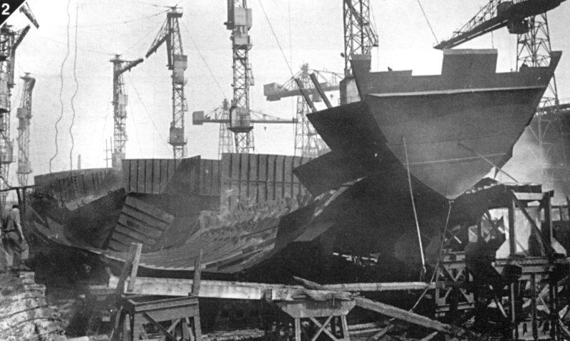 «Остов» недостроенного лёгкого крейсера проекта 68 «Орджоникидзе» на стапеле. 12 сентября 1941 г.