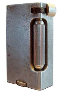 Зажигалки «Aluminum Block» фирмы Brummell, выпускались с 1940-го года.