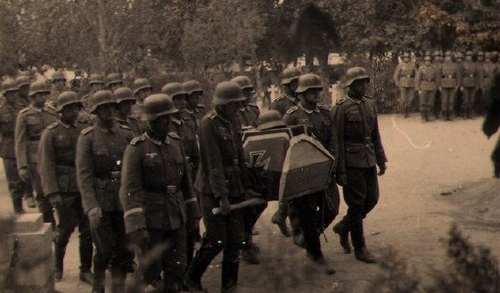 Похороны немецкого генерал-полковника Риттера на главном немецком кладбище по ул. Спортивной. Осень 1941 г.