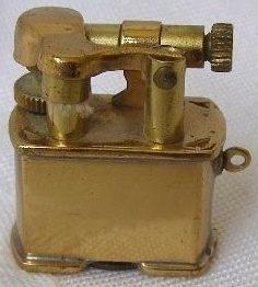 Зажигалки фирмы Golden Wheel mini выпускались в 1940-х годах.