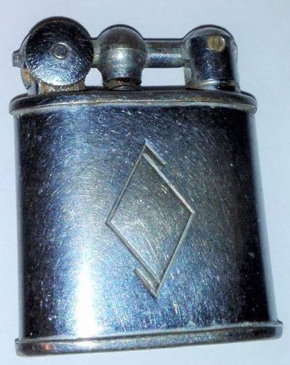 Зажигалки «Pall Mall» фирмы M. Bijou, выпускались в 1930-х годах.