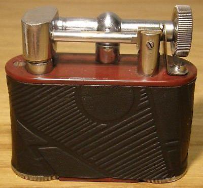 Зажигалки фирмы Jumbo выпускались в 1940-х годах.