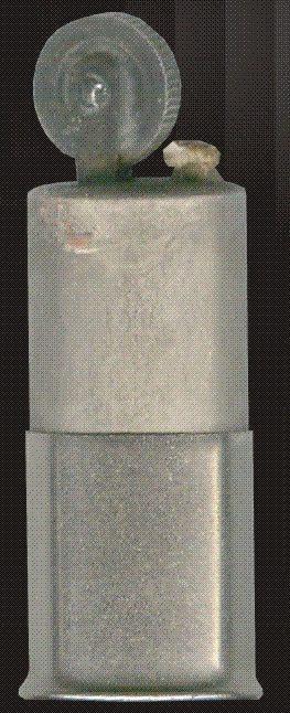 Зажигалка фирмы ZAK, выпускалась в 1935 году.