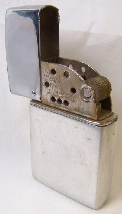 Зажигалки «Wind Master» фирмы Brown & Bigelow, выпускались в 1930-1940-х годах.