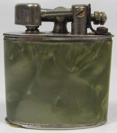 Зажигалки фирмы Aquilon, выпускались в 1930-1940-х годах.